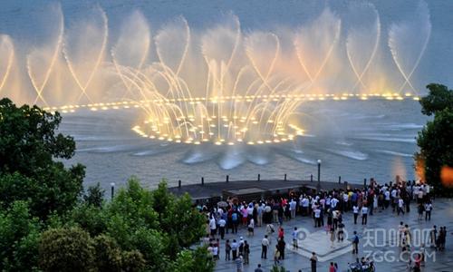 杭州西湖音乐喷泉6.png